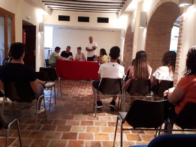 Inés Correia y Mª Jesús Boluda ganan el concurso de portada y contraportada del libro de Fiestas 2018. - 2, Foto 2