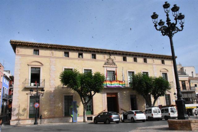 El Ayuntamiento solamente permanecerá abierto los jueves por la tarde durante el mes de julio, mientras que cerrará todas las tardes de agosto