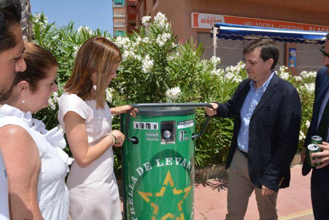 El Ayuntamiento se suma a la iniciativa solidaria de la instalación de compactadoras de latas - 1, Foto 1