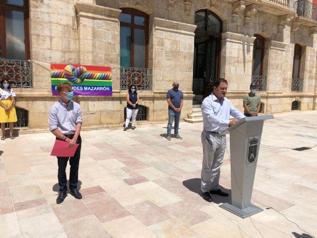 Mazarrón celebra el Día del Orgullo con la lectura del manifiesto en defensa de los derechos LGTBI, Foto 2