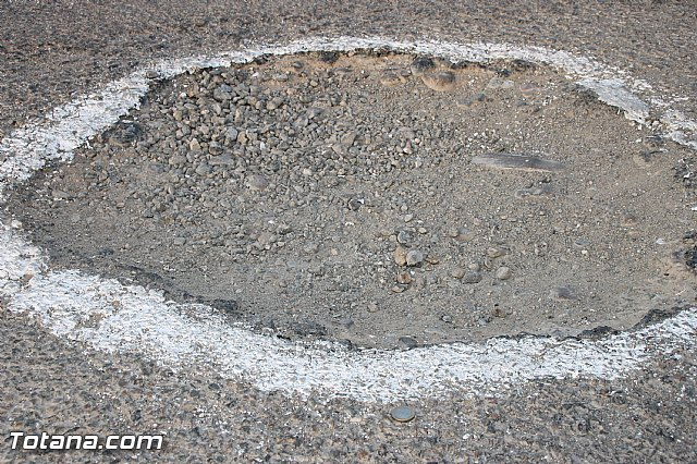 Denounce the parlous state of some sections of the roads Raiguero Low, Foto 2
