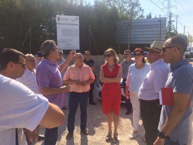 La Alcaldesa de Molina de Segura visita el desarrollo de las obras que se ejecutan con cargo a los Presupuestos Participativos 2016 - 3, Foto 3