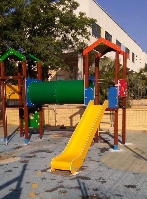 Sustituyen el pavimento de caucho de la zona de juegos infantiles del parque Tierno Galván e incorporan nuevos juegos - 2, Foto 2