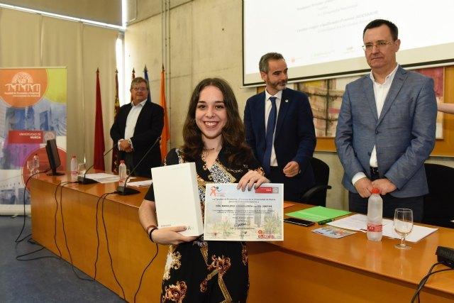 La totanera Mª José Usero Lorca, del IES Juan de la Cierva y Codorníu, representará a la Región de Murcia en la Olimpiada Nacional de Economía de 2018