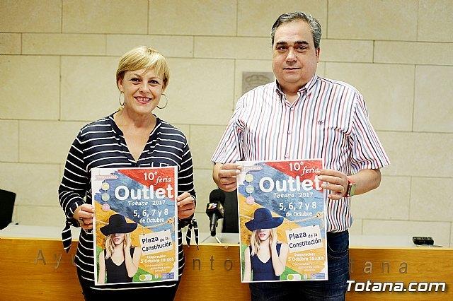 La X Feria Outlet de Totana se celebrará en la plaza de la Constitución del 5 al 8 de octubre - 1, Foto 1