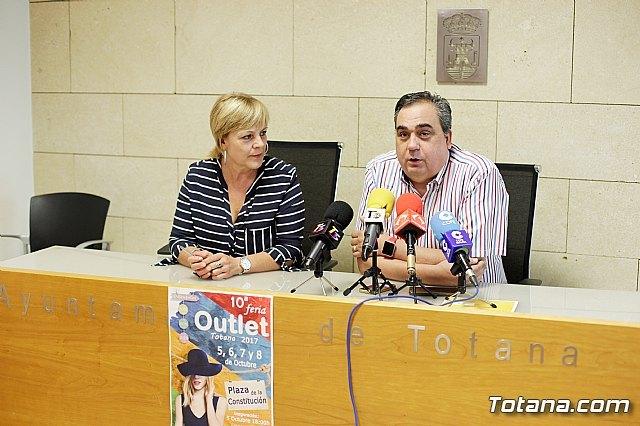 La X Feria Outlet de Totana se celebrará en la plaza de la Constitución del 5 al 8 de octubre - 4, Foto 4