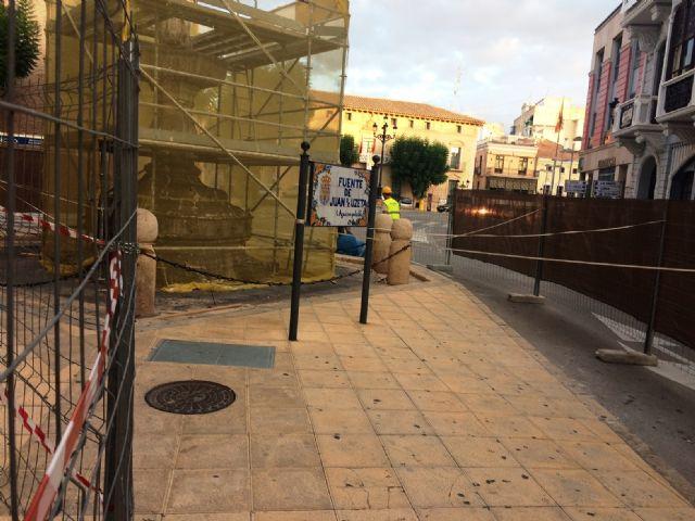Comienzan las obras de rehabilitación de la Fuente Juan de Uzeta, que se prolongarán hasta mediados de noviembre