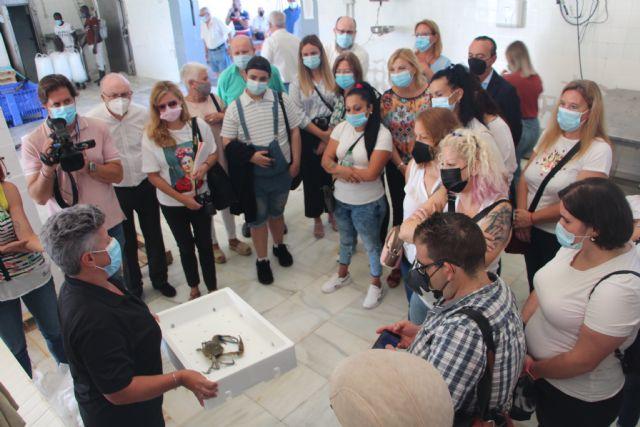 Alumnos del programa de hostelería de Cáritas en Cartagena visitan la Lonja y el Museo del Mar - 2, Foto 2