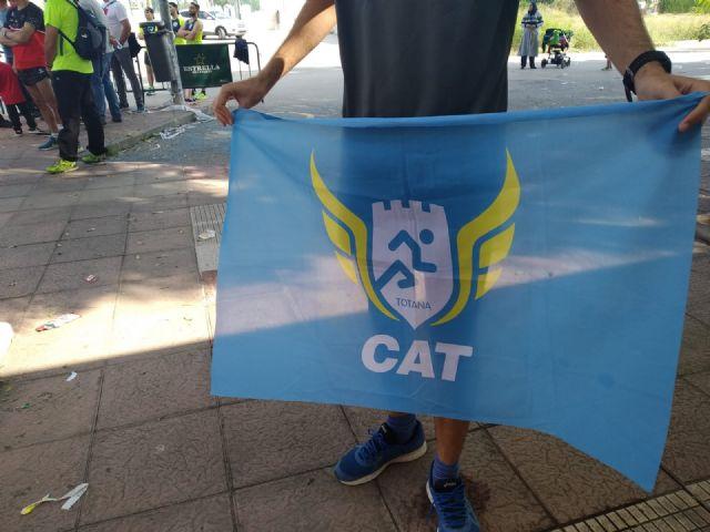 El CAT participa en la Media Marat�n de Valencia y en los 10Km de Santomera, donde obtiene un podium, Foto 8