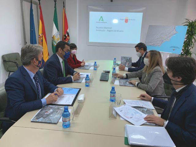 La Región y Andalucía exigen al Estado que cumpla los compromisos adquiridos con los plazos del Corredor Mediterráneo, Foto 1
