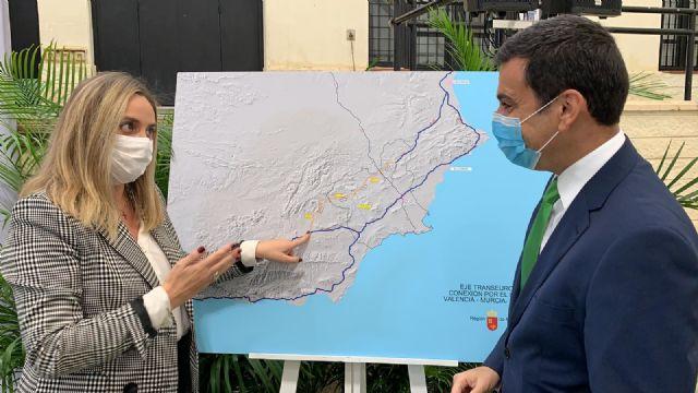 La Región y Andalucía exigen al Estado que cumpla los compromisos adquiridos con los plazos del Corredor Mediterráneo, Foto 2