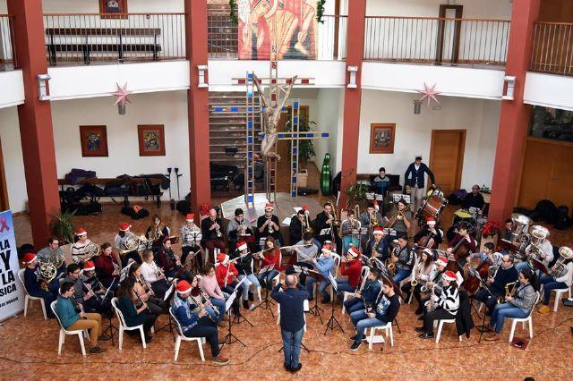 La Asociación Musical Maestro Eugenio Calderón cierra temporada con su tradicional concierto de Navidad, Foto 1