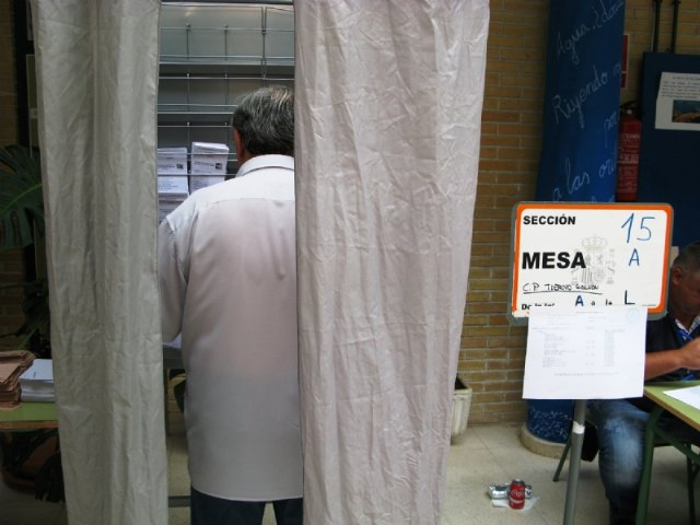 Residentes extranjeros de 12 países pueden solicitar su inscripción en el censo electoral hasta el 15 de enero para votar en las elecciones municipales de 2019, Foto 2