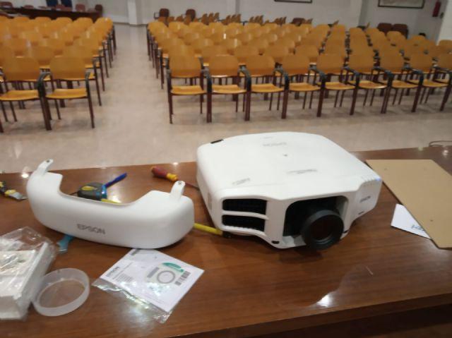 El Ayuntamiento de Puerto Lumbreras adquiere un nuevo equipo de proyección de cine digital - 1, Foto 1
