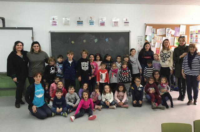 Cerca de 40 menores disfrutan de la Escuela de Navidad en el colegio 'Joaquín Cantero' - 2, Foto 2