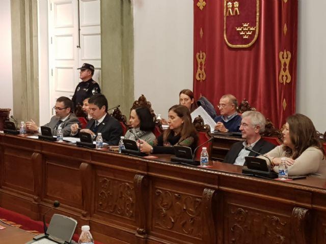MC: Tras pedir 10 millones de euros en préstamos, `La Trinca´ impone una subida de impuestos - 1, Foto 1