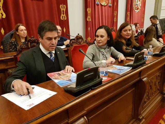 MC: Tras pedir 10 millones de euros en préstamos, `La Trinca´ impone una subida de impuestos - 2, Foto 2