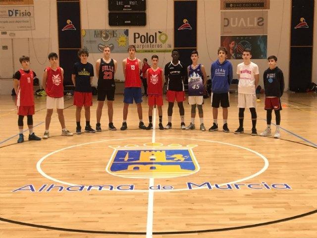 El pabellón Adolfo Suárez acoge los entrenamientos de la Selección Murciana de Baloncesto de cara al Campeonato de España Escolar, Foto 1