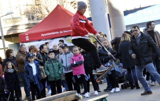 Centenares de jóvenes participan en el evento ´Redes en la calle´ - 1, Foto 1
