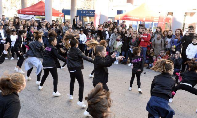 Centenares de jóvenes participan en el evento ´Redes en la calle´ - 2, Foto 2
