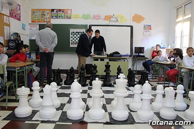 "The Santiago de Totana School participates in the ""Chess in the Classroom"" program"