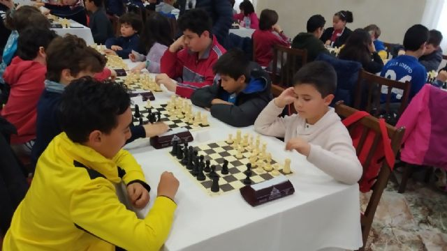 The Santiago, Reina Sofía and IES Prado Mayor schools participated in the 1st Regional School Sports Chess Day, Foto 3