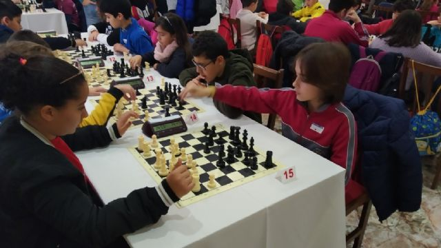 The Santiago, Reina Sofía and IES Prado Mayor schools participated in the 1st Regional School Sports Chess Day, Foto 4