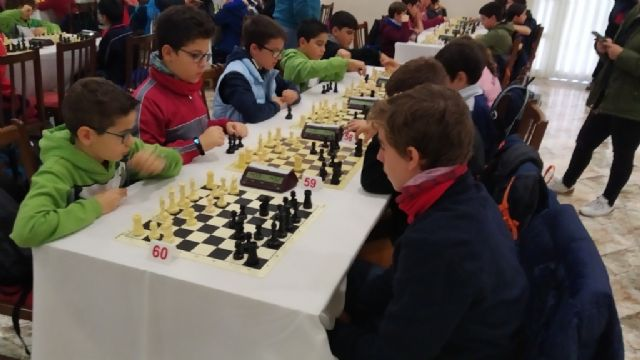 The Santiago, Reina Sofía and IES Prado Mayor schools participated in the 1st Regional School Sports Chess Day, Foto 5