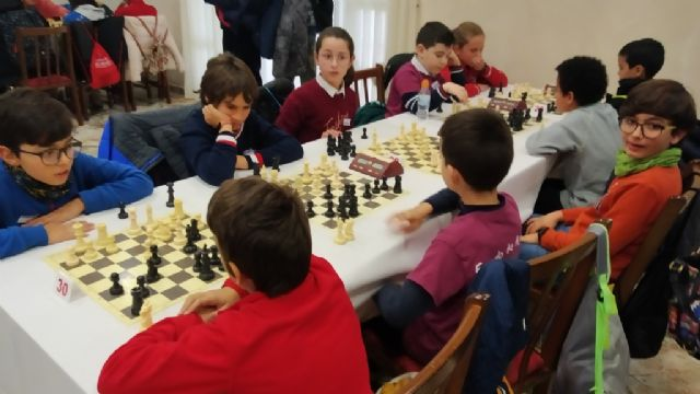 The Santiago, Reina Sofía and IES Prado Mayor schools participated in the 1st Regional School Sports Chess Day, Foto 6