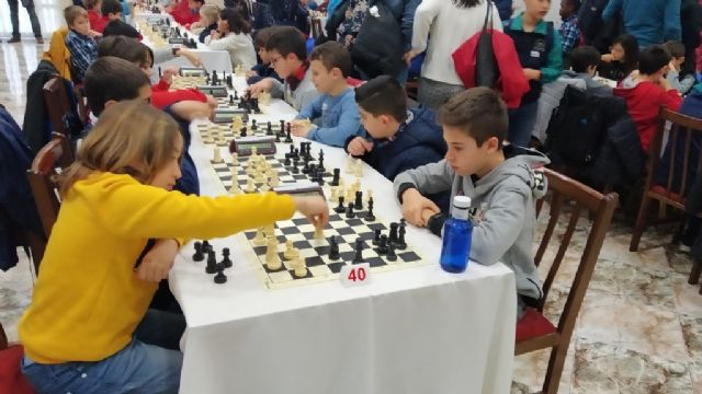 The Santiago, Reina Sofía and IES Prado Mayor schools participated in the 1st Regional School Sports Chess Day, Foto 7