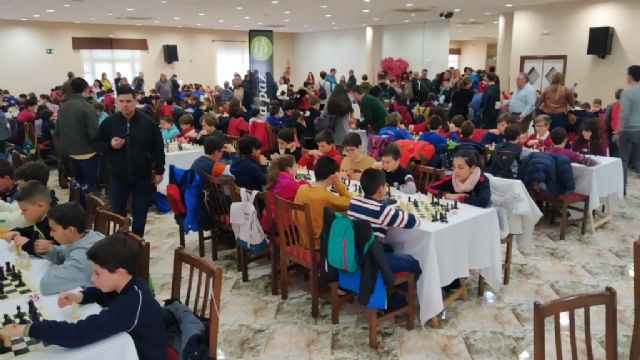 The Santiago, Reina Sofía and IES Prado Mayor schools participated in the 1st Regional School Sports Chess Day, Foto 8