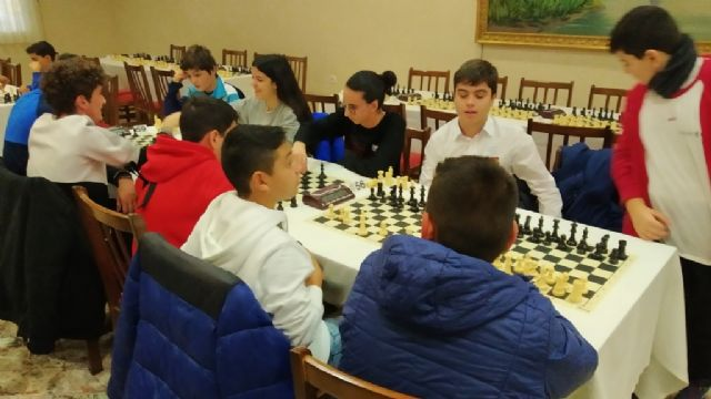 The Santiago, Reina Sofía and IES Prado Mayor schools participated in the 1st Regional School Sports Chess Day, Foto 9