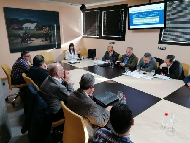 La Comunidad establece cuatro líneas de autobús para facilitar el acceso de los usuarios al aeropuerto - 1, Foto 1