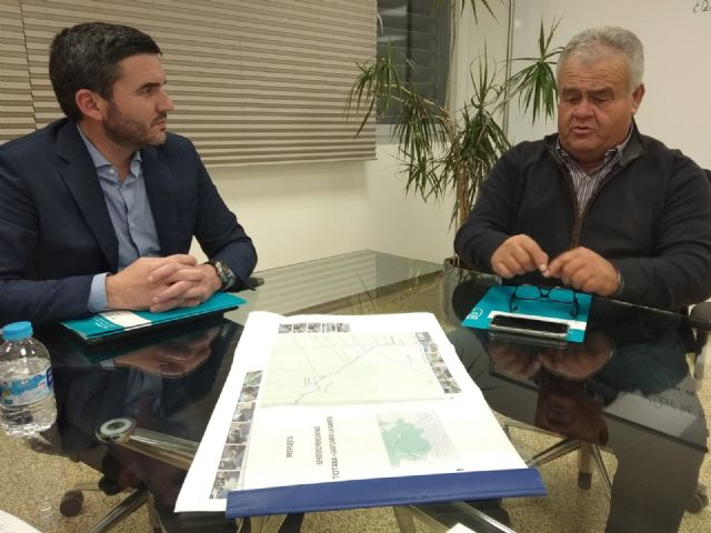 Juan Pagán has held a meeting with Antonio Luengo, Minister of Water, Agriculture, Livestock, Fisheries and Environment, to discuss important issues for Totana, Foto 3