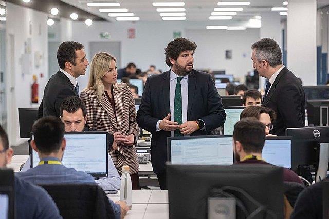López Miras visita las nuevas instalaciones de la compañía Everis, especializada en consultoría y tecnología - 1, Foto 1