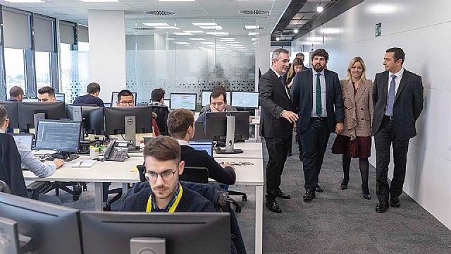 López Miras visita las nuevas instalaciones de la compañía Everis, especializada en consultoría y tecnología - 2, Foto 2