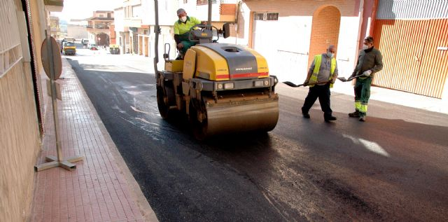 El Ayuntamiento invierte más de 256.000 euros en la reparación y asfaltado de calles del municipio - 1, Foto 1