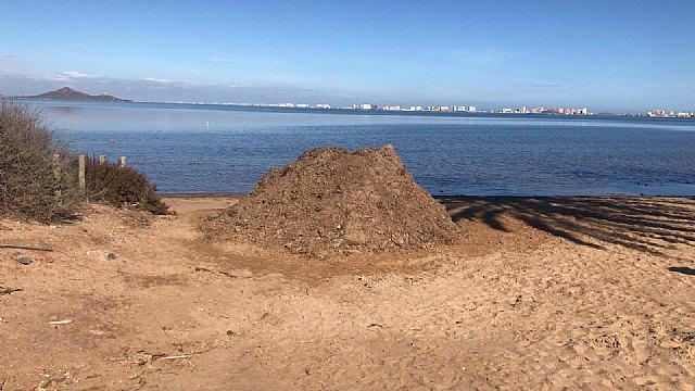 Así limpian minuciosamente las playas del Mar Menor - 4, Foto 4