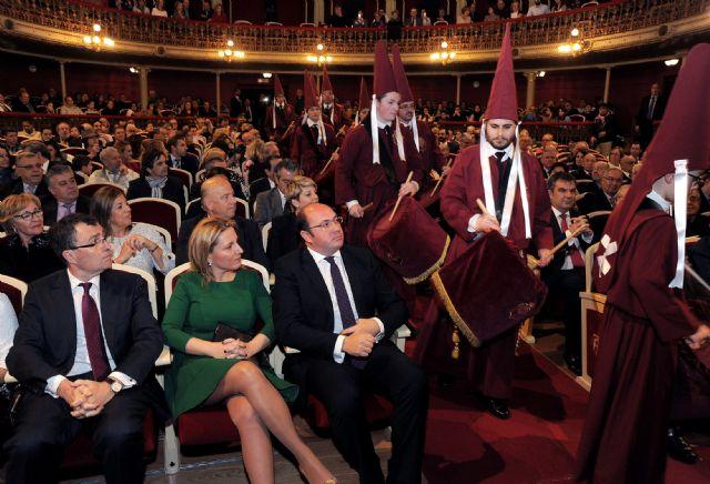 El presidente de la Comunidad asiste al pregón de la Semana Santa de Murcia 2016 - 2, Foto 2