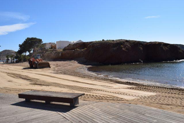 Comienzan los trabajos de recuperación de las playas afectadas por el temporal de diciembre, Foto 1
