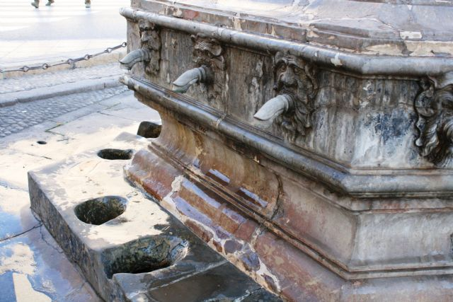 The architect Francisco Guerao is awarded the contract for the technical direction and coordination of safety and health of the rehabilitation works of the Juan de Uzeta Fountain and its surroundings, Foto 2