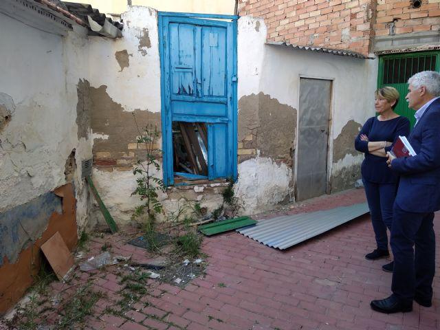 PSOE: Vecinos de la calle Córdoba ´conviven´ con ratas, amianto, insectos y olores a animales muertos procedentes de un solar abandonado - 5, Foto 5