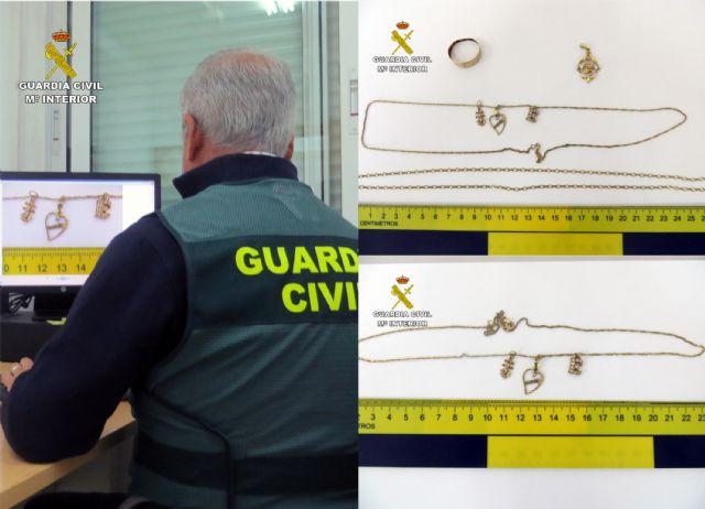 La Guardia Civil detiene a tres jóvenes por el robo con violencia en el domicilio de una septuagenaria - 1, Foto 1