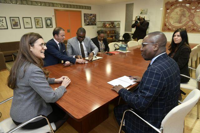 La Universidad de Murcia recibe al embajador de Haití en España para impulsar acuerdos de cooperación - 1, Foto 1