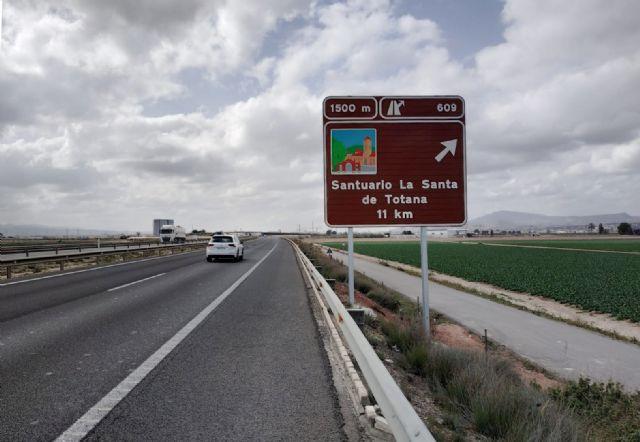 La Región amplía su señalización en carretera con nuevos carteles sobre destinos y recursos turísticos