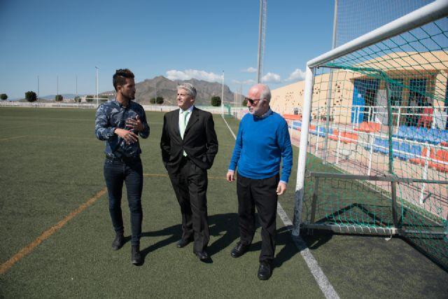 El director general de deportes visita las instalaciones deportivas de Mazarrón para incluirlas en un plan regional de mejora - 1, Foto 1