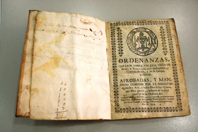 The heirs of José María Munuera and Abadía donate to the Municipal Archive some Ordinances of the Good Government of the Council of 1724