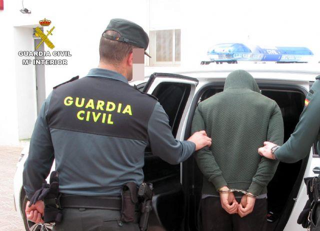 La Guardia Civil desmantela un grupo delictivo dedicado a robar en viviendas en Totana y distribuir los efectos sustraídos