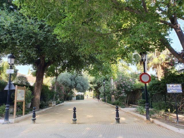 El Ayuntamiento de Lorca inicia los trabajos de preparación de parterres para la plantación de nuevos árboles, arbustos y flores en el municipio - 1, Foto 1