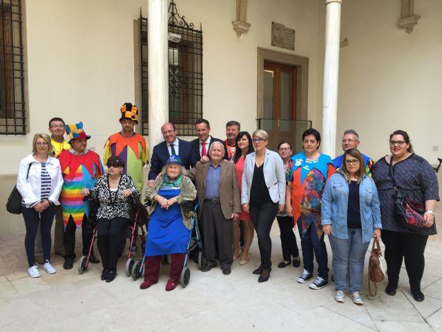 El Palacio de San Esteban, sede del Gobierno regional, abre sus puertas a la Fiesta de los Mayos, Foto 1